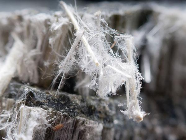 ditta-autorizzata-smaltimento-amianto-Reggiolo